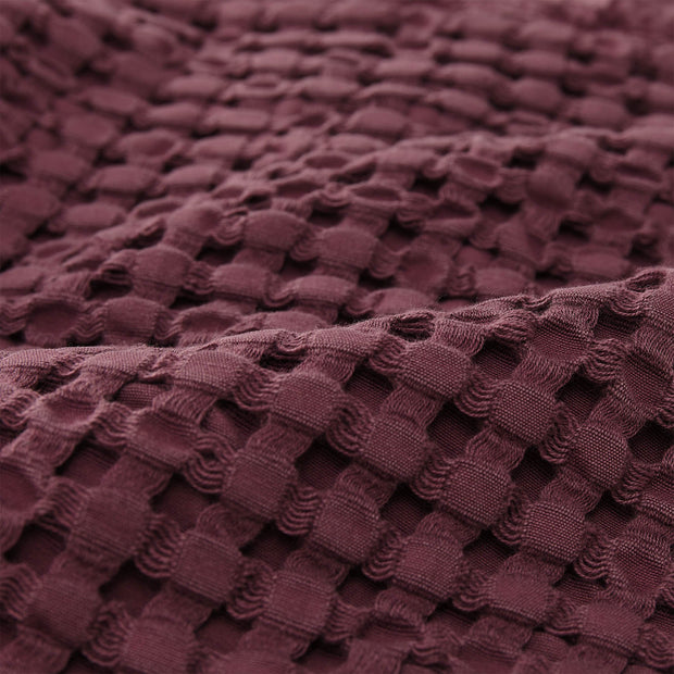 Veiros Sao bedspread, bordeaux red, 100% cotton |High quality homewares