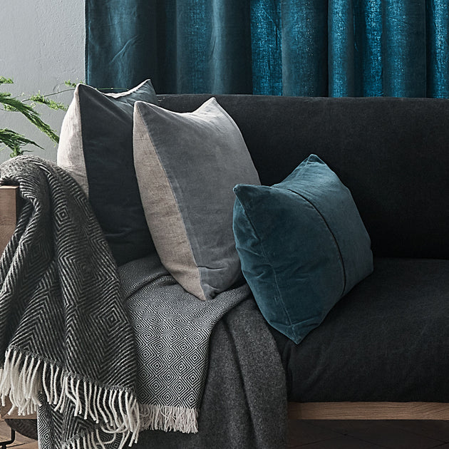 Teal & Natural Amreli Kissen | Home & Living inspiration | URBANARA