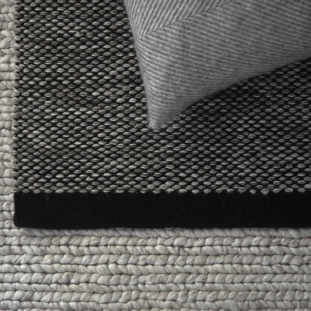 Grey brown & Off-white & Black Odis Teppich | Home & Living inspiration | URBANARA