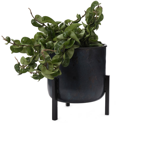 Zaroli Planter black, 100% metal | URBANARA living accessories