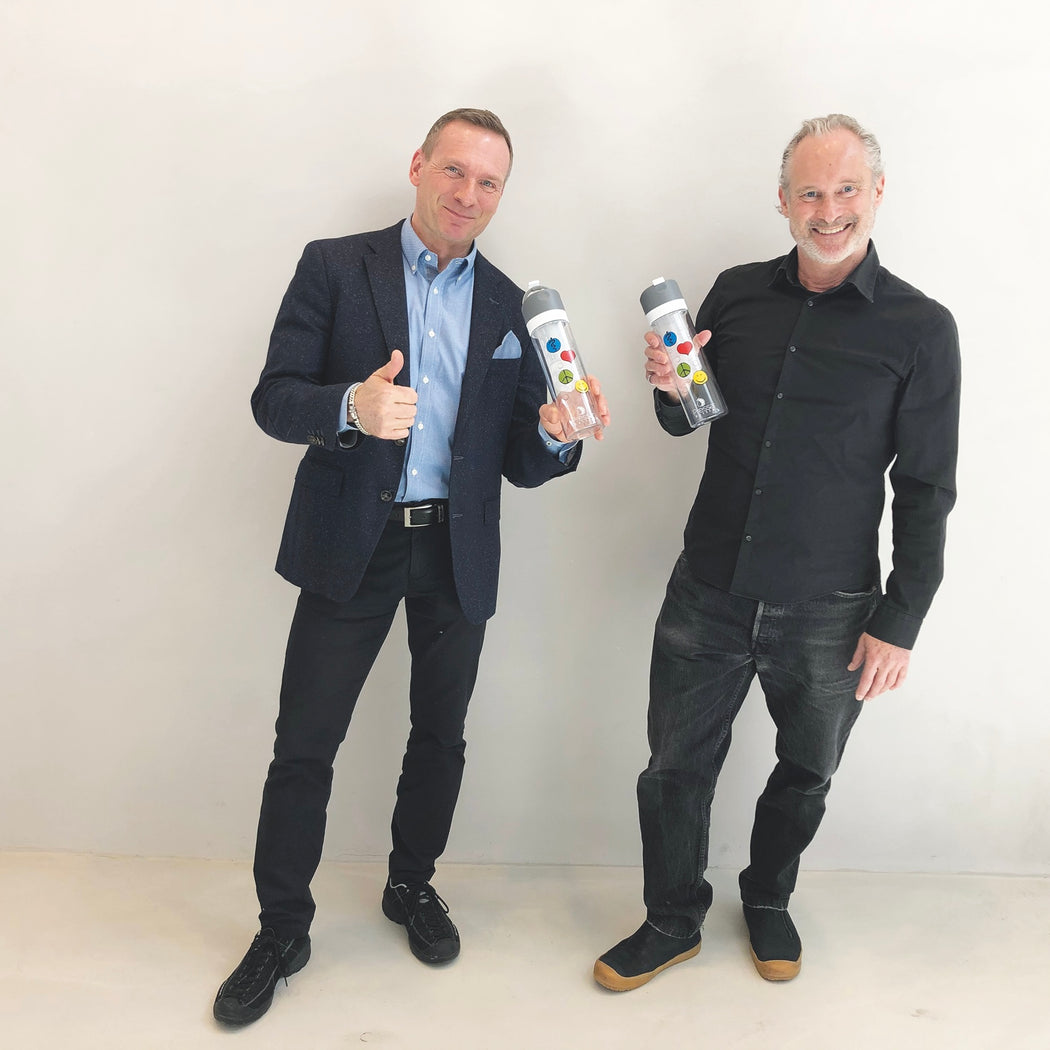 Daniel Gwerder und Ludek Martschini PressaBottle Limited Edition Happy People