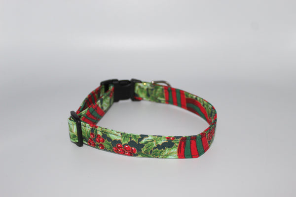Berries and Holly Standard Dog Collar