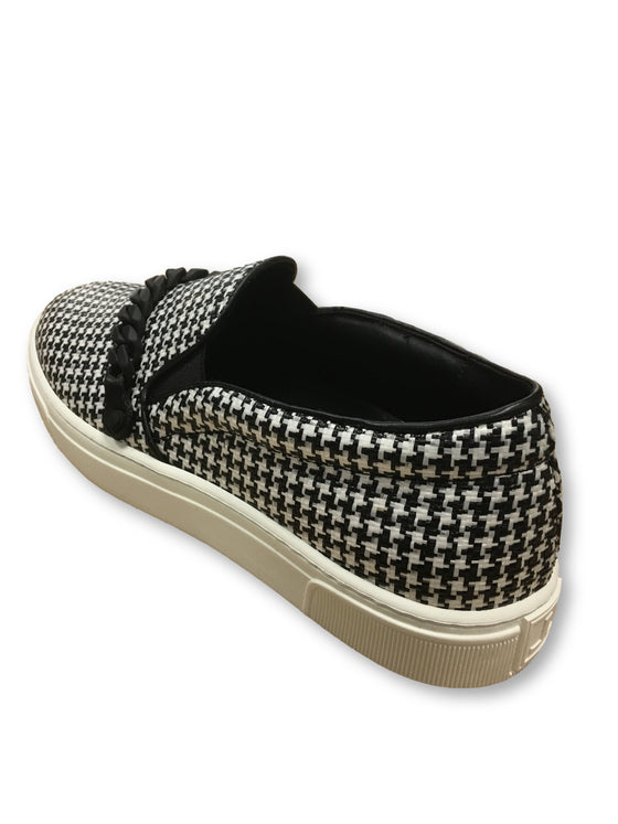 Louis Leeman slip on sneakers with chain in black/white