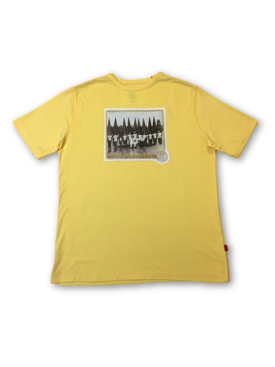 Signum T-Shirt in Custard Yellow- khakisurfer.com Latest menswear designer brands added include Eton, Etro, Agave Denim, Pal Zileri, Circle of Gentlemen, Ralph Lauren, Scotch and Soda, Hugo Boss, Armani Jeans, Armani Collezioni.