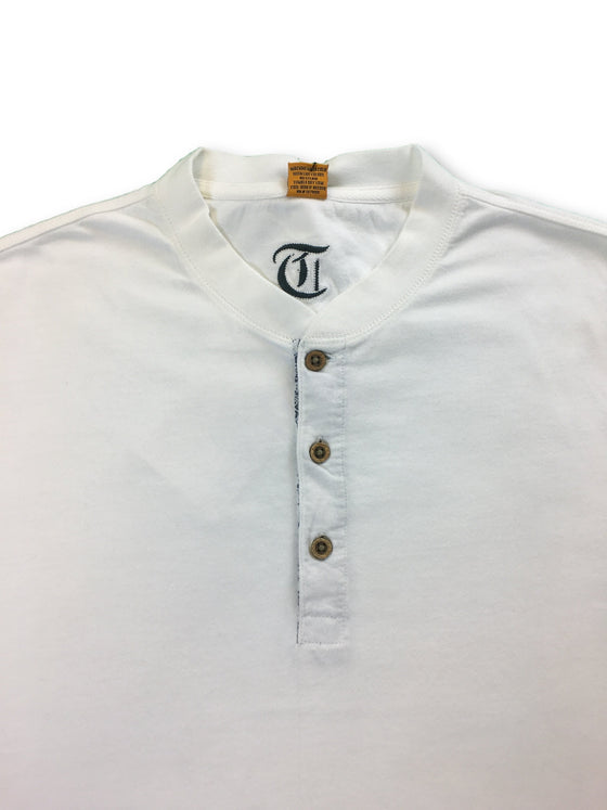 Tailor Vintage T-shirt in white- khakisurfer.com Latest menswear designer brands added include Eton, Etro, Agave Denim, Pal Zileri, Circle of Gentlemen, Ralph Lauren, Scotch and Soda, Hugo Boss, Armani Jeans, Armani Collezioni.