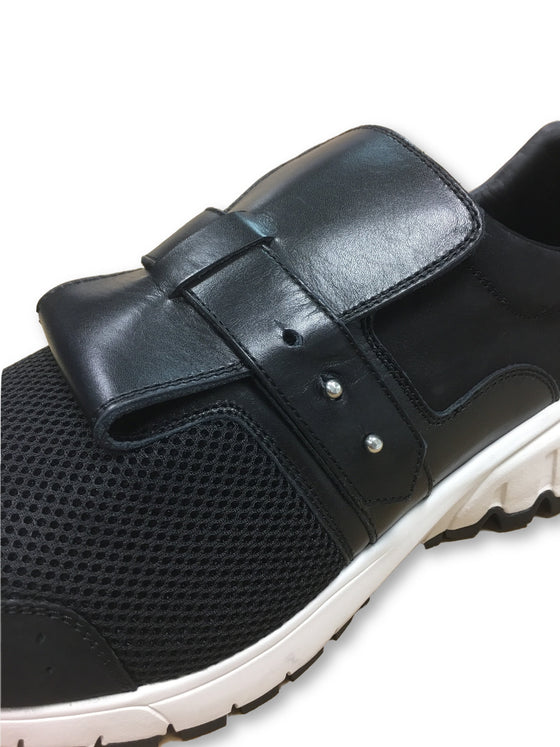 Neil Barrett thunderbolt strap runner trainers in black- khakisurfer.com Latest menswear designer brands added include Eton, Etro, Agave Denim, Pal Zileri, Circle of Gentlemen, Ralph Lauren, Scotch and Soda, Hugo Boss, Armani Jeans, Armani Collezioni.