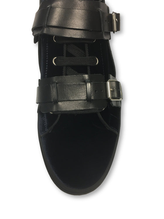 Louis Leeman low top sneakers with armour in blue/navy- khakisurfer.com Latest menswear designer brands added include Eton, Etro, Agave Denim, Pal Zileri, Circle of Gentlemen, Ralph Lauren, Scotch and Soda, Hugo Boss, Armani Jeans, Armani Collezioni.