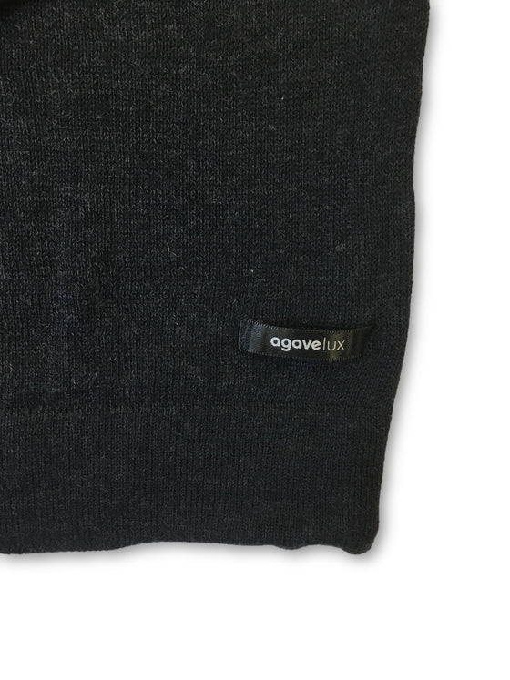 Agave Lux 'West End' knitwear in black and blue
