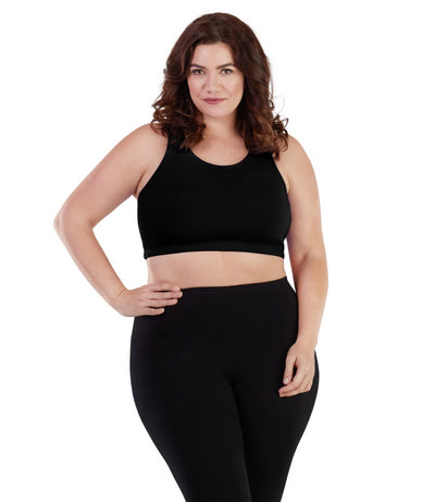 Women's plus size sports bra black