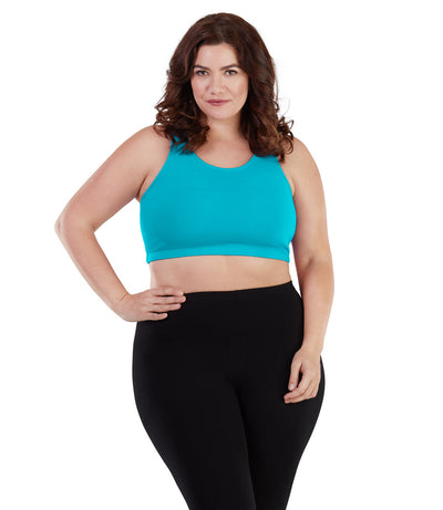 Women's plus size wicking sports bra