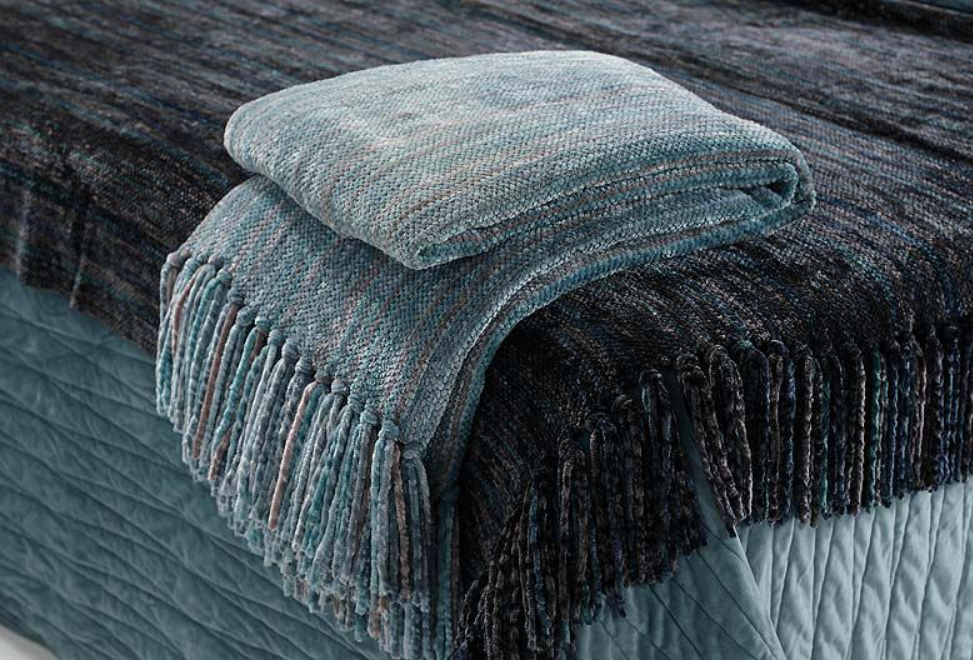 Blue and Grey Knotted Tassel Throw
