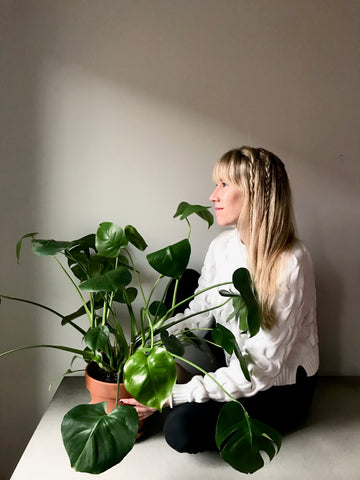 Water & Light Plant Shop's The Plant PeopleⓇ Blog with Brittany and her monstera