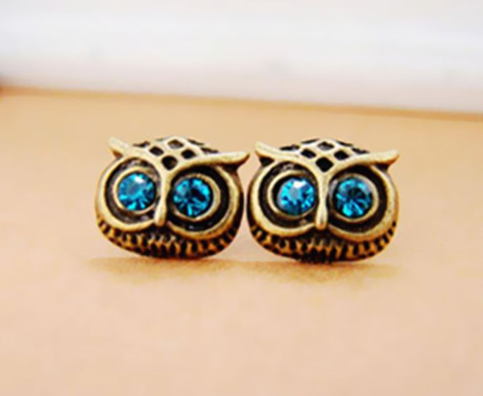 Big Sparkly Eyes Owl Earrings