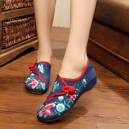 Veowalk Chinese Fashion Women's Shoes Old Peking Mary Jane Denim Flats Flower Embroidery Soft Sole Casual Shoes Plus Size 34-41