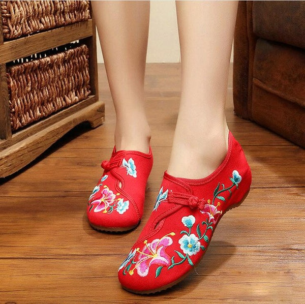 Flower Embroidered Ballet Flats