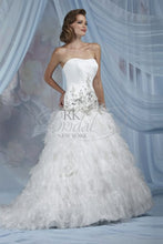 Load image into Gallery viewer, Impression Bridal Wedding Dress 11001