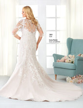 Load image into Gallery viewer, Bonny Bridal Wedding Gown 1801