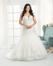 Load image into Gallery viewer, Bonny Bridal Wedding Gown 1812