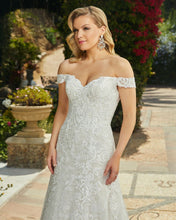Load image into Gallery viewer, Casablanca Bridal Wedding Gown 2411 Quinn