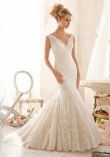 Load image into Gallery viewer, Morilee Bridal Wedding Gown 2605