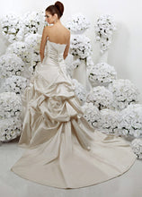 Load image into Gallery viewer, Impression Bridal Wedding Gown 3054
