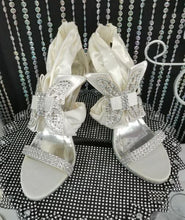 Load image into Gallery viewer, Butterfly Bridal Wedding High Heels - Ivory/Silver