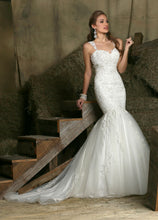 Load image into Gallery viewer, Da Vinci Bridal Wedding Dress 50330