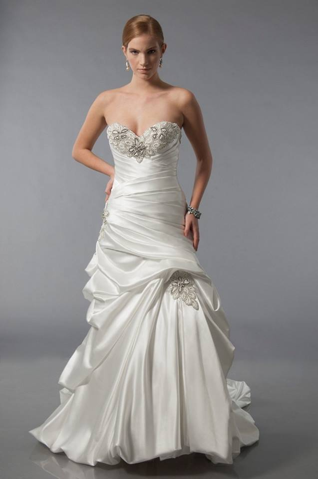 Alfred Sung Bridal Wedding Gown 6891