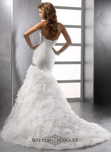 Load image into Gallery viewer, Sottero & Midgley Wedding Gown 713703 Penelope