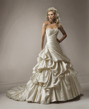 Load image into Gallery viewer, Maggie Sottero Wedding Gown A3484 Devine
