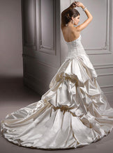 Load image into Gallery viewer, Maggie Sottero Wedding Gown A3624 Perla