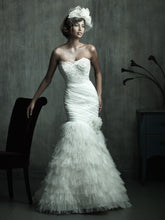 Load image into Gallery viewer, Allure Bridals Wedding Gown C174