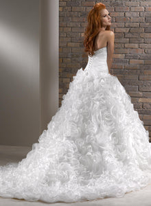 Maggie Sottero Wedding Gown V7154 Nivia