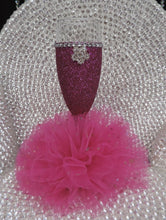 Load image into Gallery viewer, Fuchsia Glitter Wine Flute with Tulle Skirt