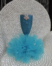 Load image into Gallery viewer, Turquoise Glitter Wine Flute with Tulle Skirt