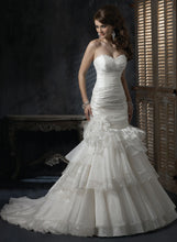 Load image into Gallery viewer, Maggie Sottero Wedding Gown s5260 Destiny