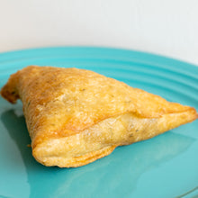 Load image into Gallery viewer, Vegetable Herb Samosa