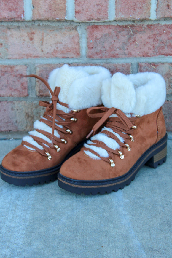 The Linda Snow Boots (Camel)