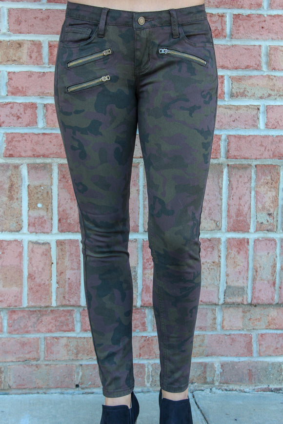Your On My Wishlist Camo Pants (Midnight)