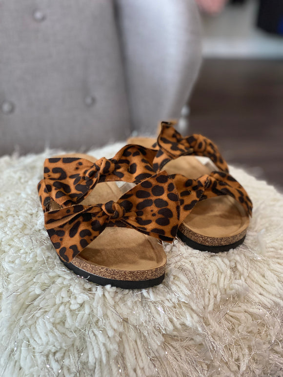 The Cary Double Bow Slides (Leopard)