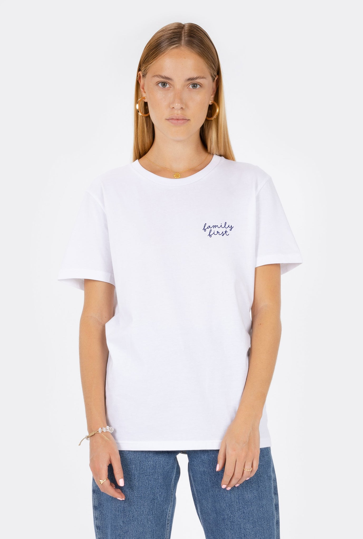 T-Shirt S/S Family First - Embroidered