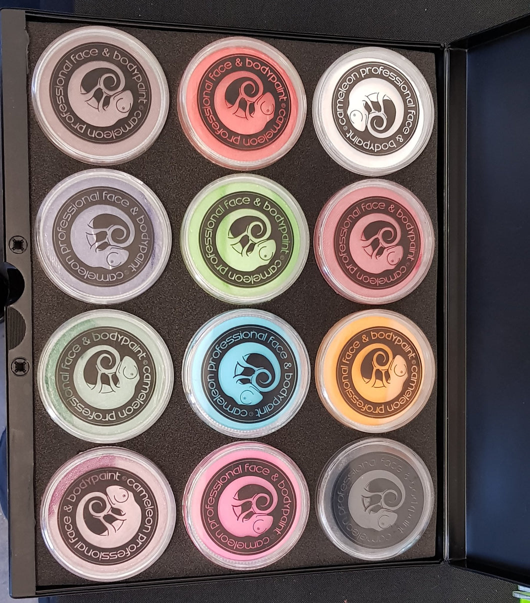 Cameleon palette containing 12 32g facepaints in assorted colours