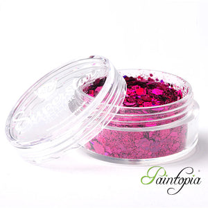 Laser Pink Superstar Chunky Glitter is a pink chunky glitter mix presented in a 8ml clear plastic screw lid pot