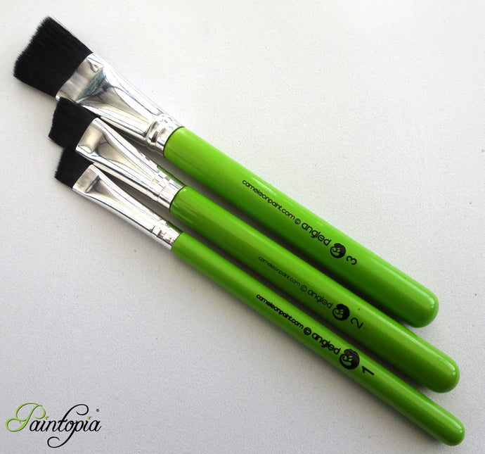 Set of three synthetic angle brushes for face painting, set comprises of 1 inch, three quarter inch and half inch brushes made of black fibres, short green handle, vegan, cruelty free