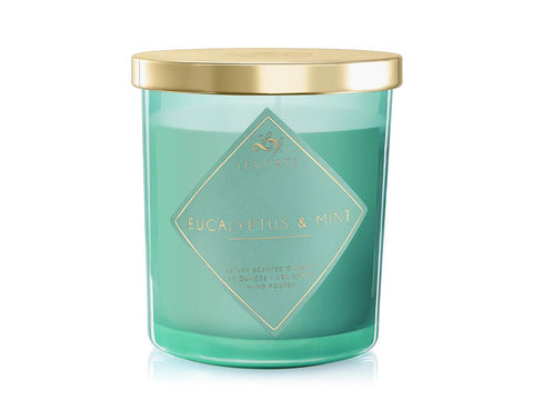 An image of the eucalyptus and mint candle from Levitate.