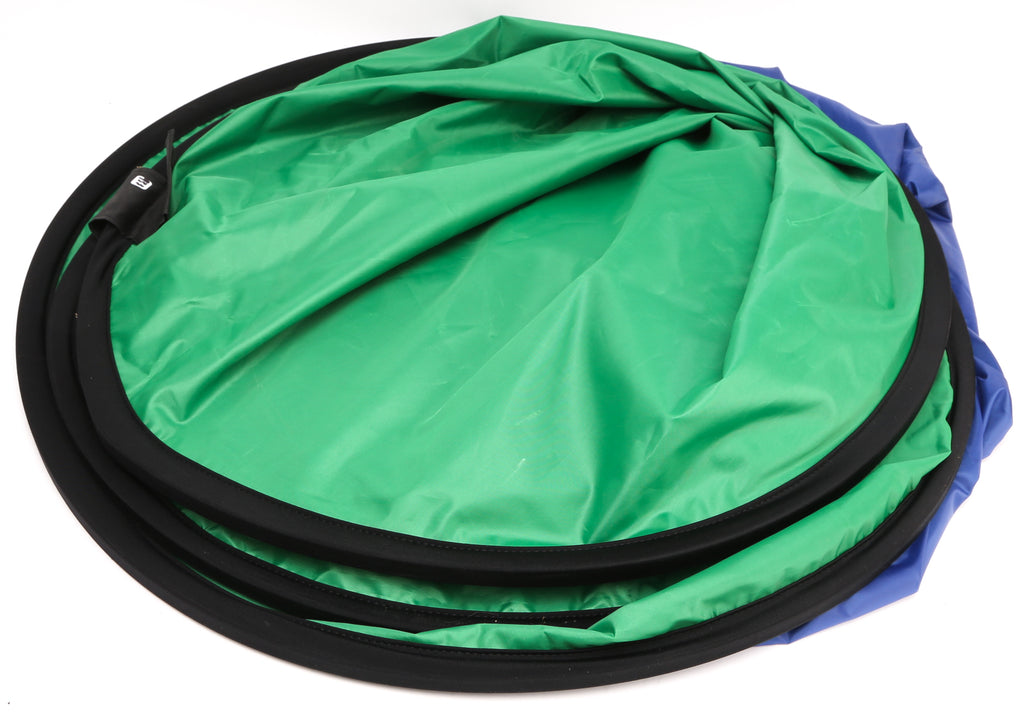 "Lot of (5) Collapsible  Reflector Lighting Discs. 57"" x 78"" Collapsible  Chroma Key Blue & Green & Diffusion Disc. 22"" Silver, Gold, White, Solt Gold Reflector Discs"