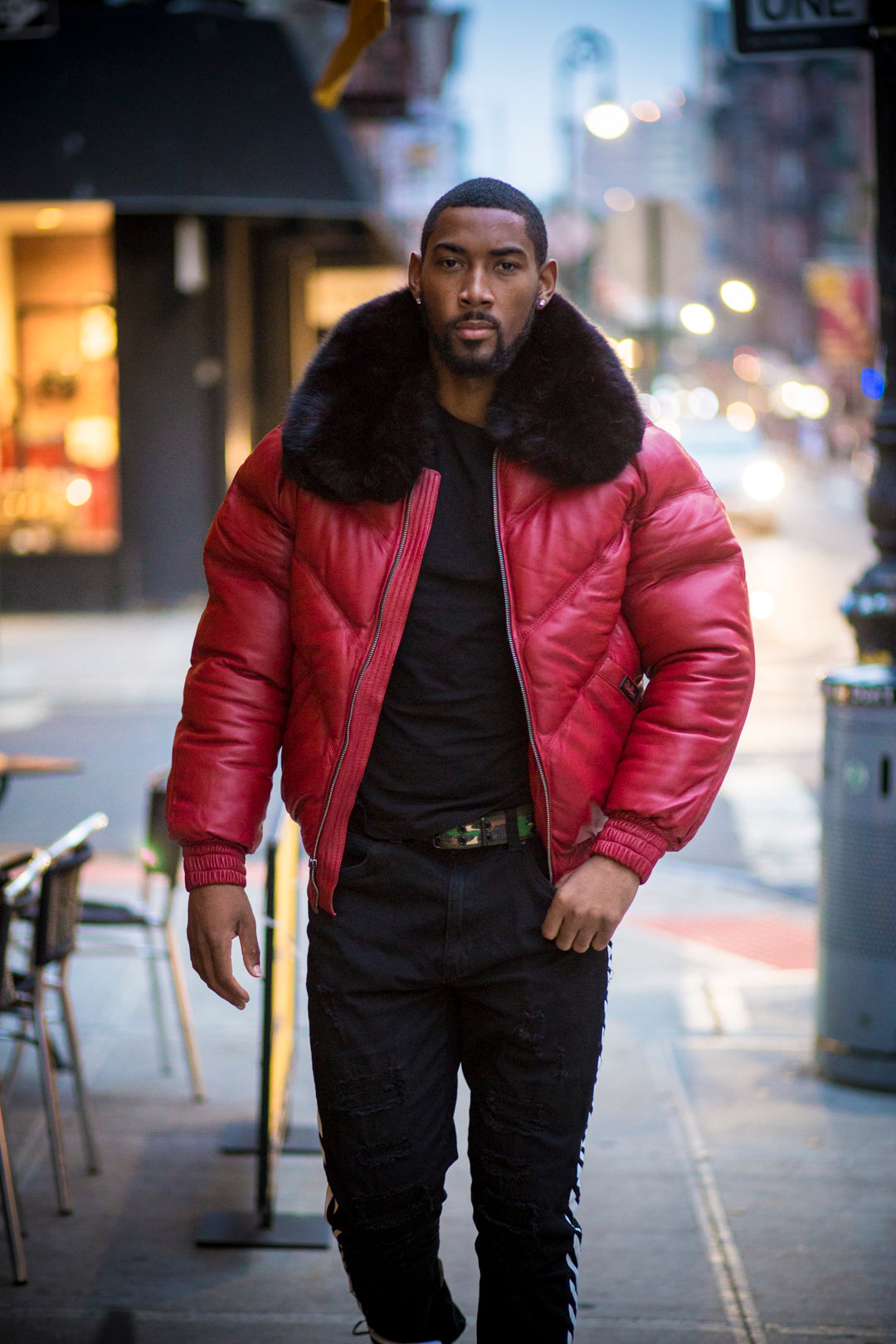 MEN V BOMBER- RED (BLACK FUR)