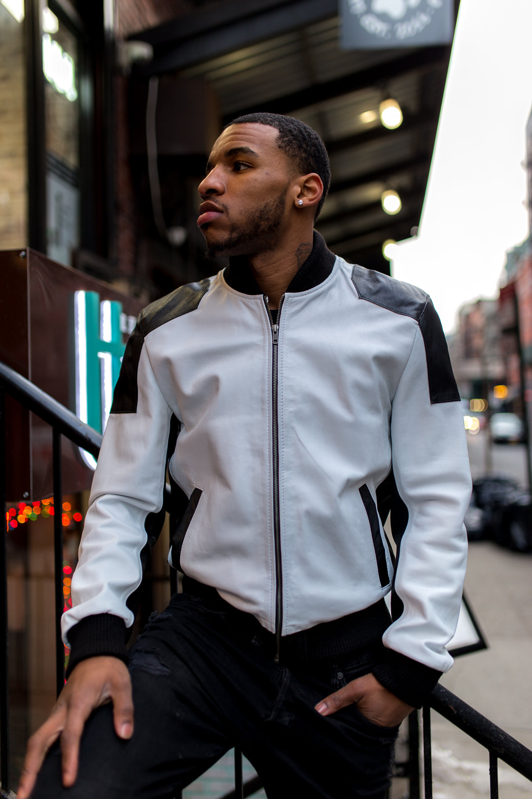 MEN LIGHT WEIGHT JACKET- WHITE AND BLACK