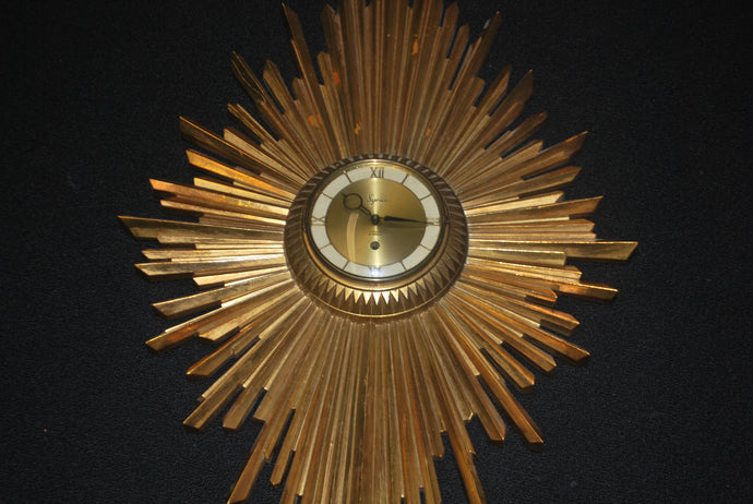 SYROCO MID CENTURY STARBURST/SUNBURST ATOMIC ERA 8 DAY JEWELED CLOCK