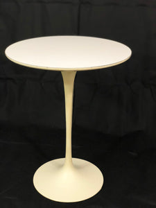 Mid-Century Modern Saarinen for Knoll Side Table 1970s